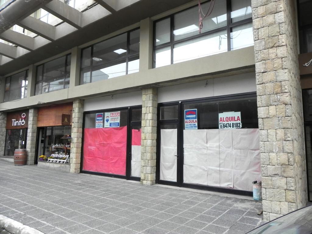 Foto Local en Alquiler en  Centro,  San Carlos De Bariloche  San Martin al 400 Local No 1
