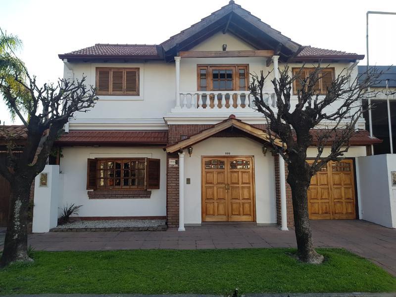 Foto Casa en Venta en  Castelar Norte,  Castelar  San Nicolás al 800