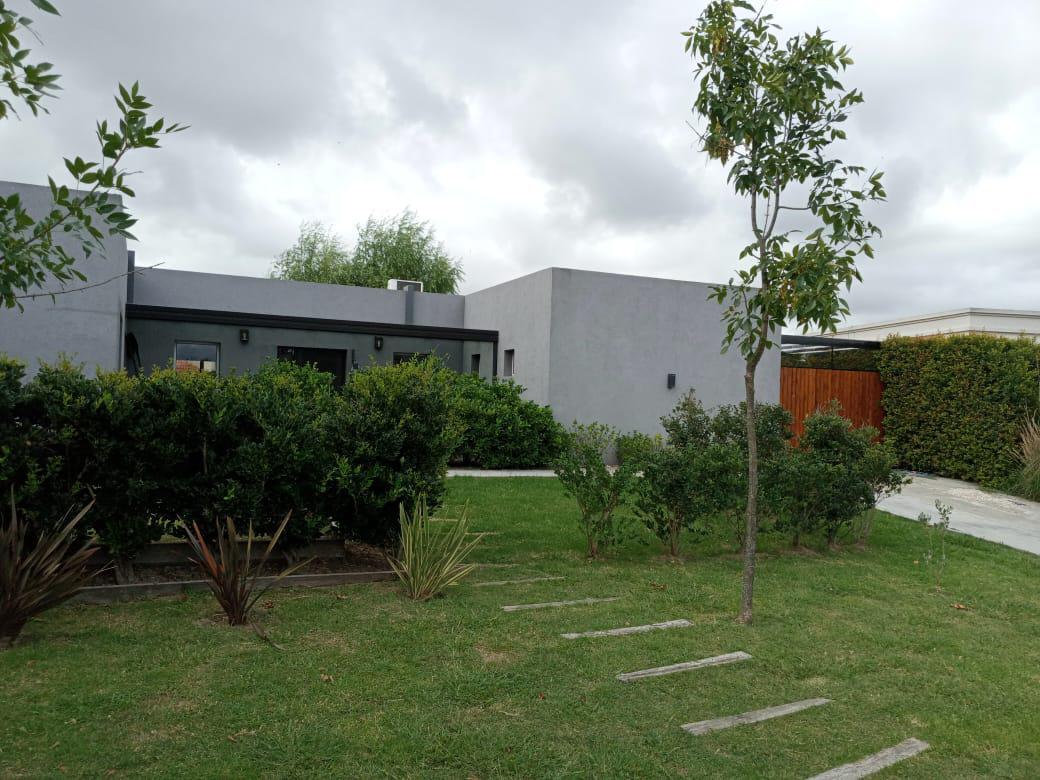 Foto Casa en Venta en  Lagos Del Norte,  Don Torcuato  alsina al 3900