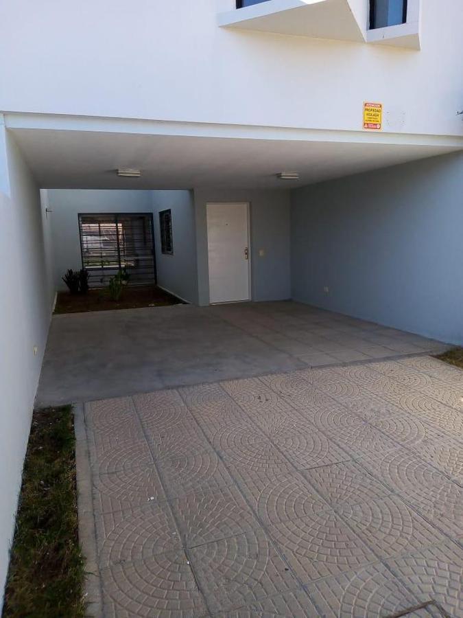 Foto Casa en Venta en  Terrazas Neuquén,  Capital  Volcán de Manos n° 3055