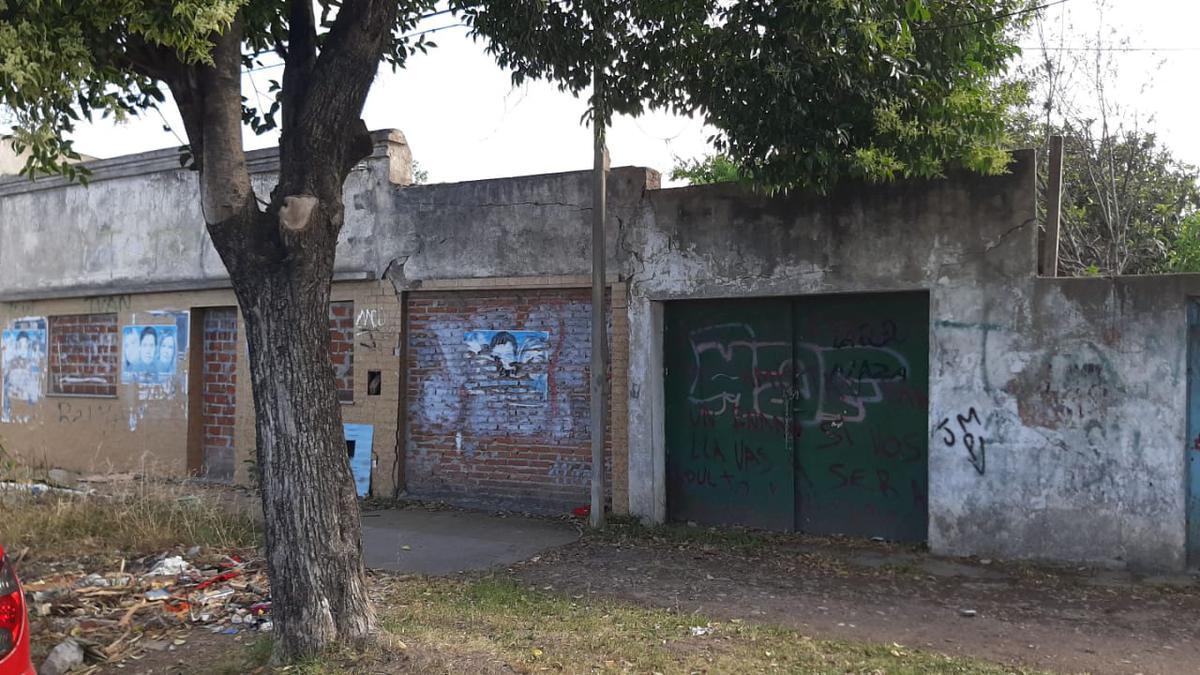 Foto Terreno en Venta en  La Plata ,  G.B.A. Zona Sur  27 entre 73 y 74