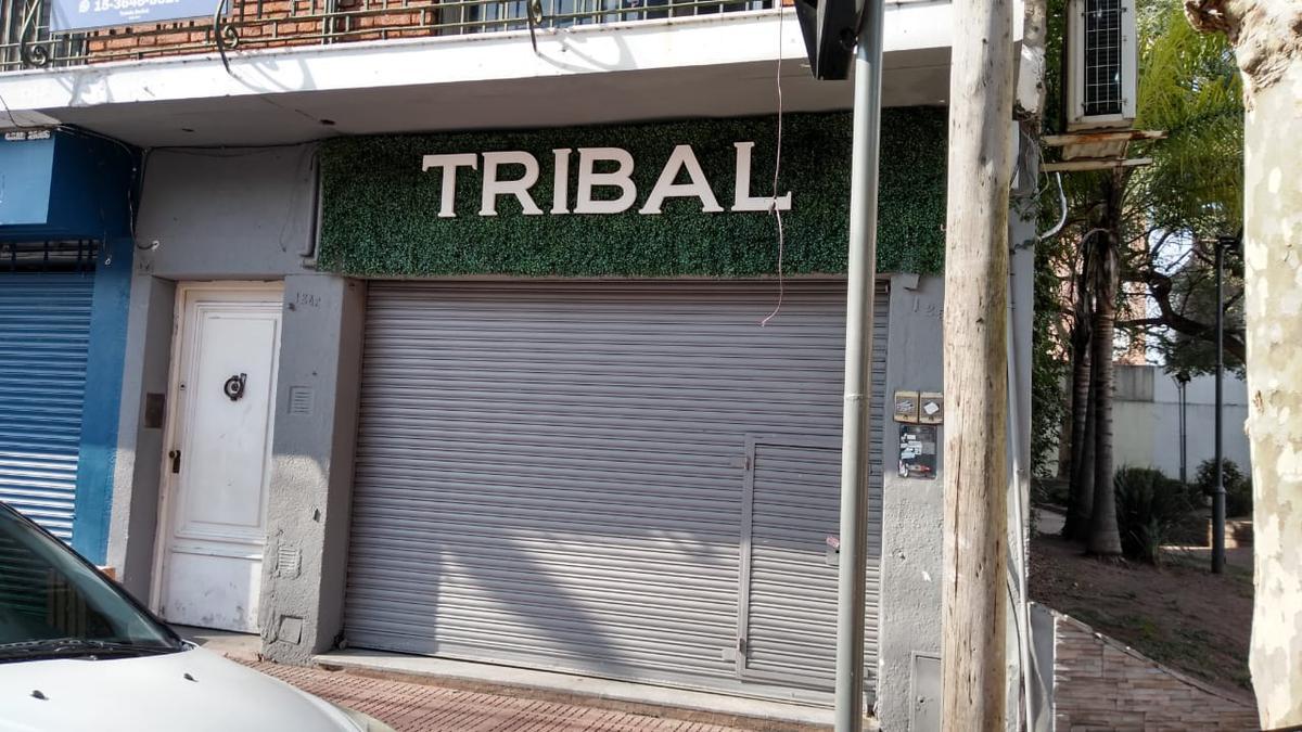 Foto Local en Alquiler en  S.Fer.-Vias/Centro,  San Fernando  9 DE JULIO 1250