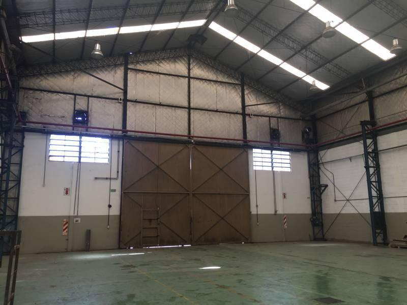 Foto Depósito en Venta en  Loma Hermosa,  Tres De Febrero  Av. Churruca al 8700