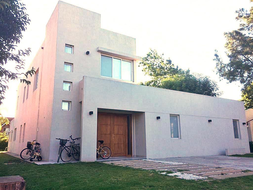Foto Casa en Venta en  Los Cardales,  Countries/B.Cerrado  Ruta N°4 Km 4 - Lote 600, Los Cardales Country Club