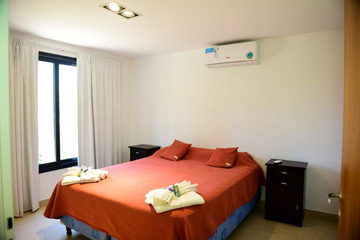 Foto Casa en Venta en  Villa Ciudad De America,  Santa Maria  Casa Lago Los Molinos, Valle Fantástico.- lote 50B.- Casa Málaga