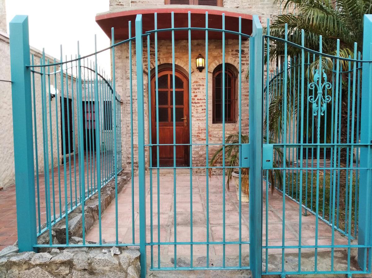 Foto Casa en Alquiler en  Carmelo ,  Colonia  J.P Varela casi Lavalleja
