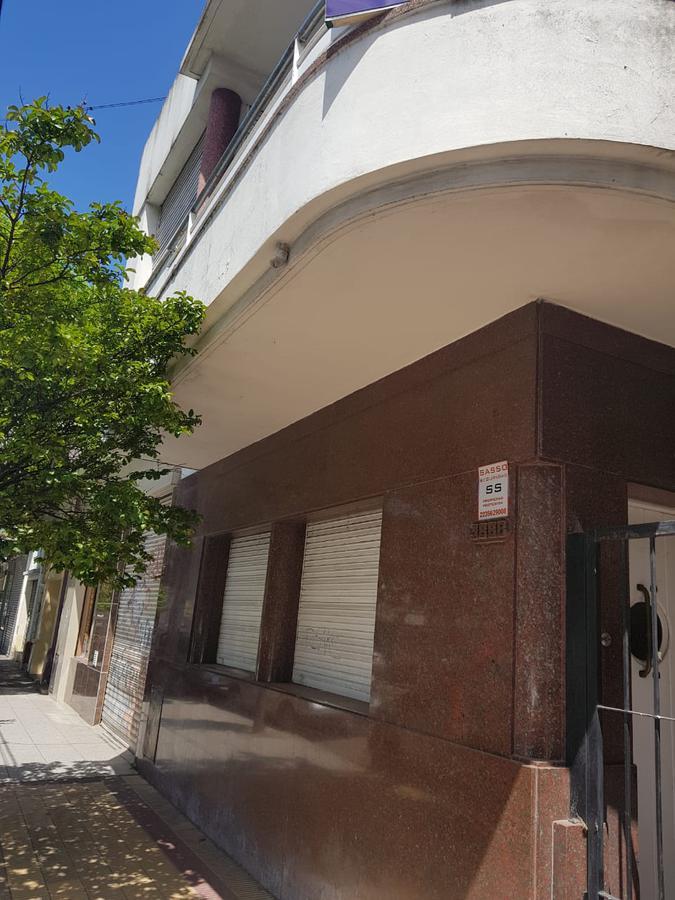 Foto Casa en Venta en  Macrocentro,  Mar Del Plata  san martin al 3800