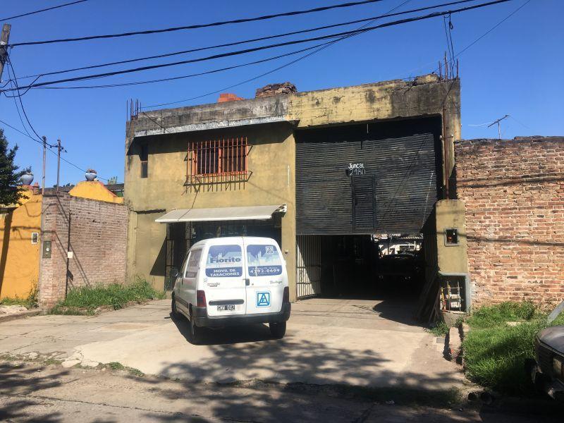 Foto Galpón en Alquiler en  Martinez,  San Isidro  Juncal 2400