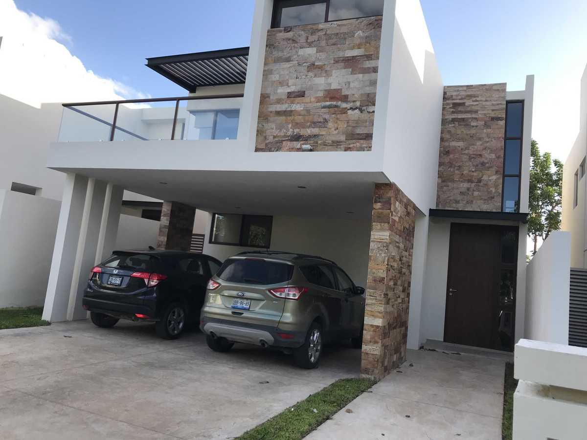 Foto Casa en Renta en  Pueblo Cholul,  Mérida  En renta excelente casa en privada en Parque Central, al norte de Mérida, Yuc., Méx.