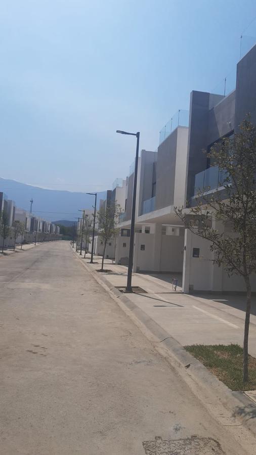 Foto Casa en Venta en  Santiago ,  Nuevo León  CASA EN VENTA Y RENTA EN FRACCIONAMIENTO PRIVADO 3 RECÁMARAS SANTIAGO NUEVO LEÓN   SANTIAGO