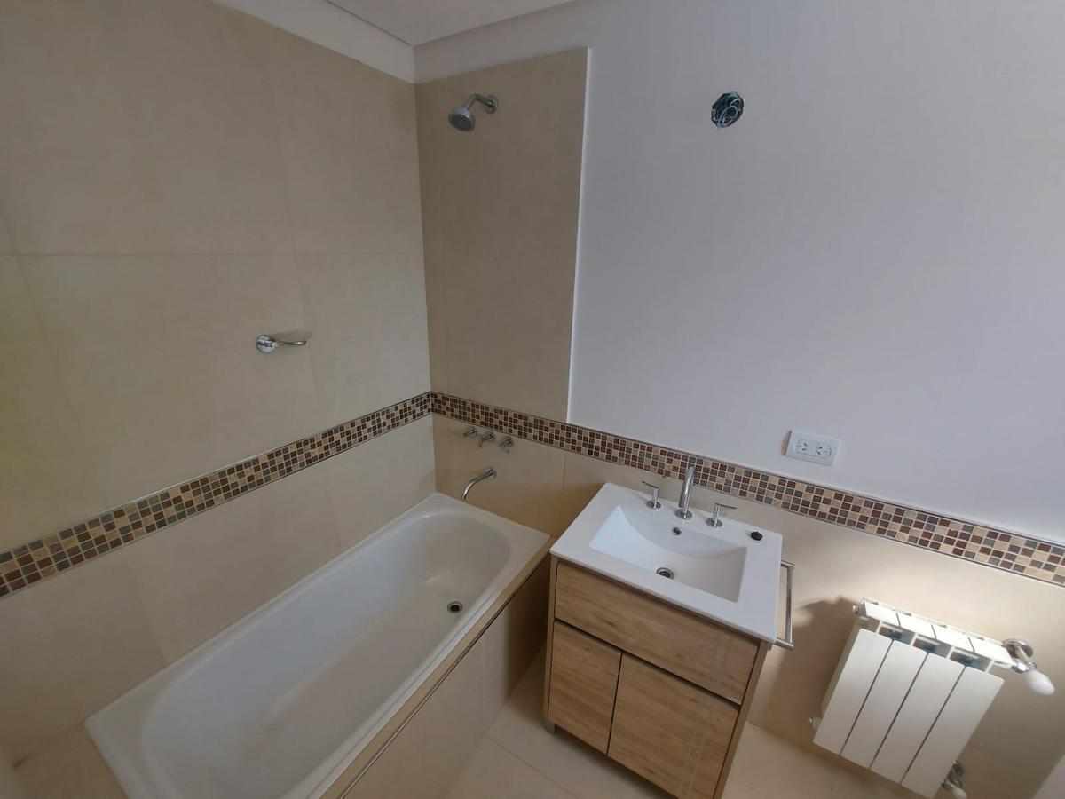 Foto Casa en Alquiler | Venta en  Confluencia Urbana,  Capital  Aguerre al 2500