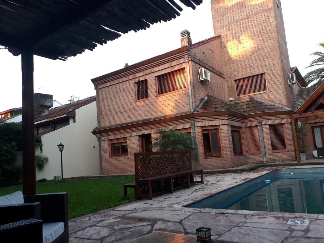 Foto Casa en Venta | Alquiler en  Mart.-Santa Fe/Fleming,  Martinez  Necochea al 1500