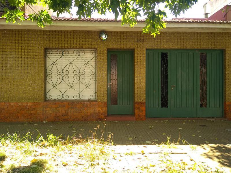 Foto Casa en Alquiler en  Temperley,  Lomas De Zamora  Carlos Tejedor al 400
