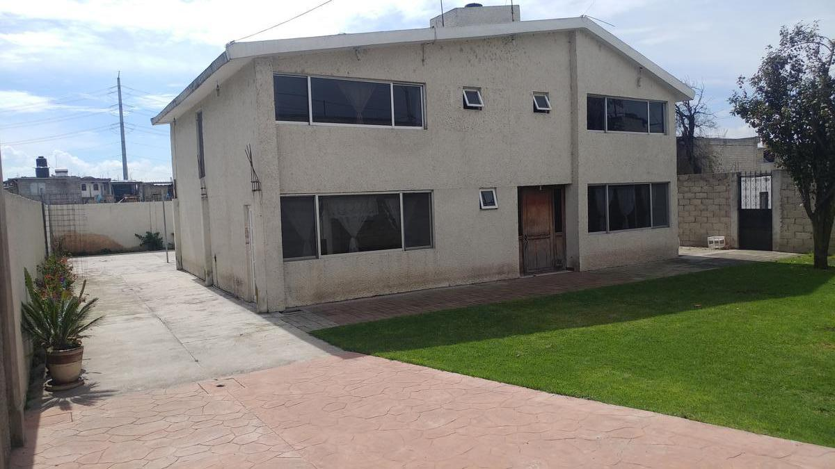 Foto Casa en Venta en  San Pedro,  San Mateo Atenco                Venta de casa en  Carretera Mexico-Toluca km. 50.8