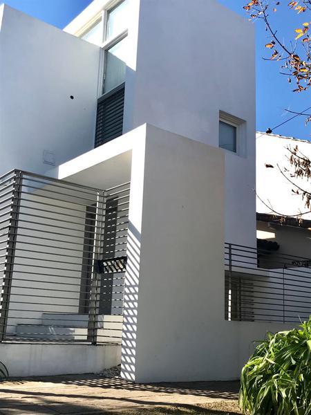 Foto Casa en Venta en  Castelar Norte,  Castelar  Sarmiento al 2600