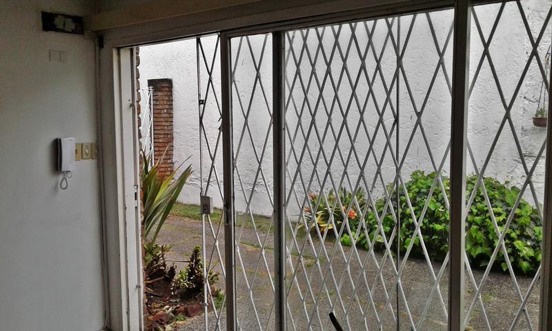 Foto Casa en Alquiler en  Carrasco ,  Montevideo  Casa empresa o vivienda, alquiler Carrasco
