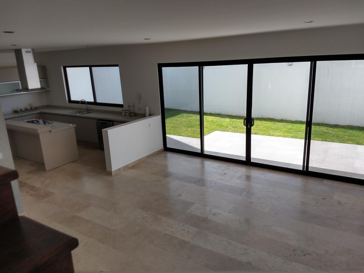 Foto Casa en Venta en  Juriquilla,  Querétaro  Sinai 200. Lomas de Juriquilla
