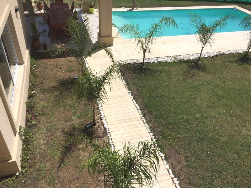 Foto Casa en Venta en  La Providencia,  Countries/B.Cerrado (Ezeiza)  Venta - Hermosa casa en La Providencia.