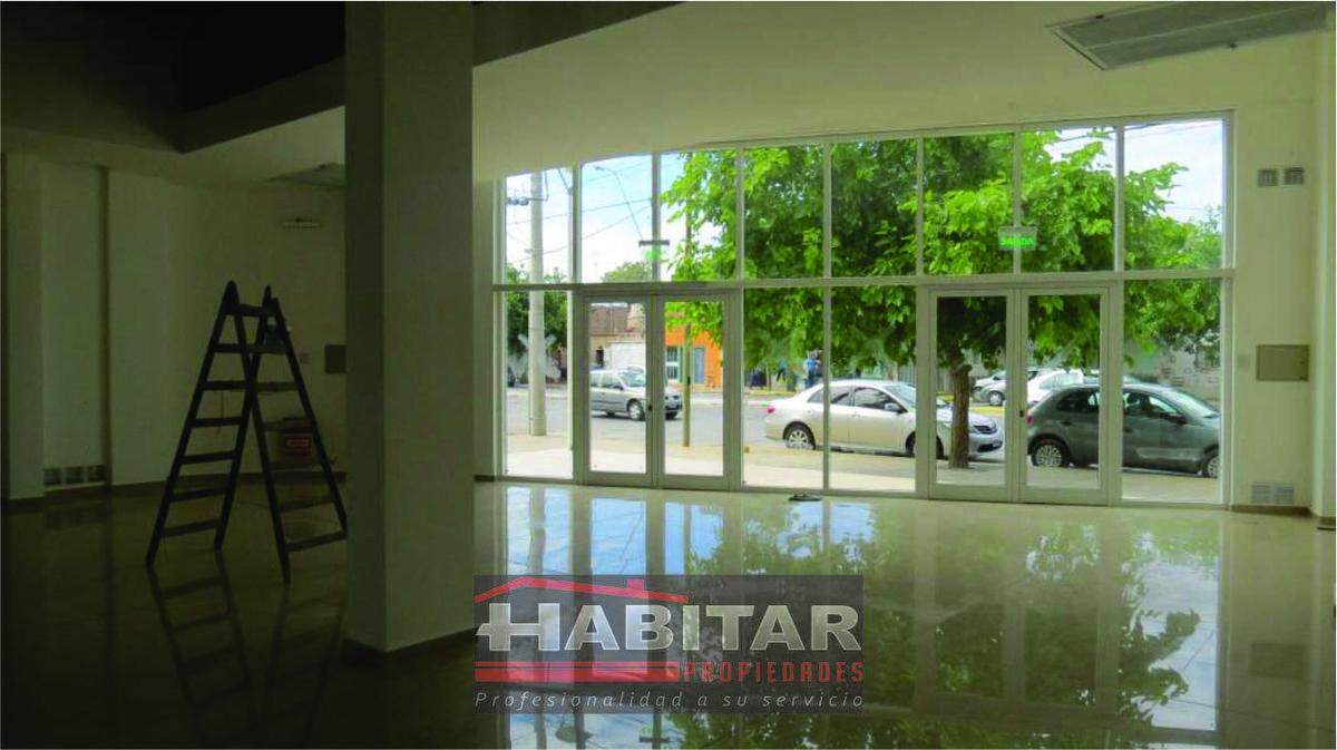 Foto Local en Alquiler en  Capital ,  San Juan  Avda. José Ignacio de la Roza al 800