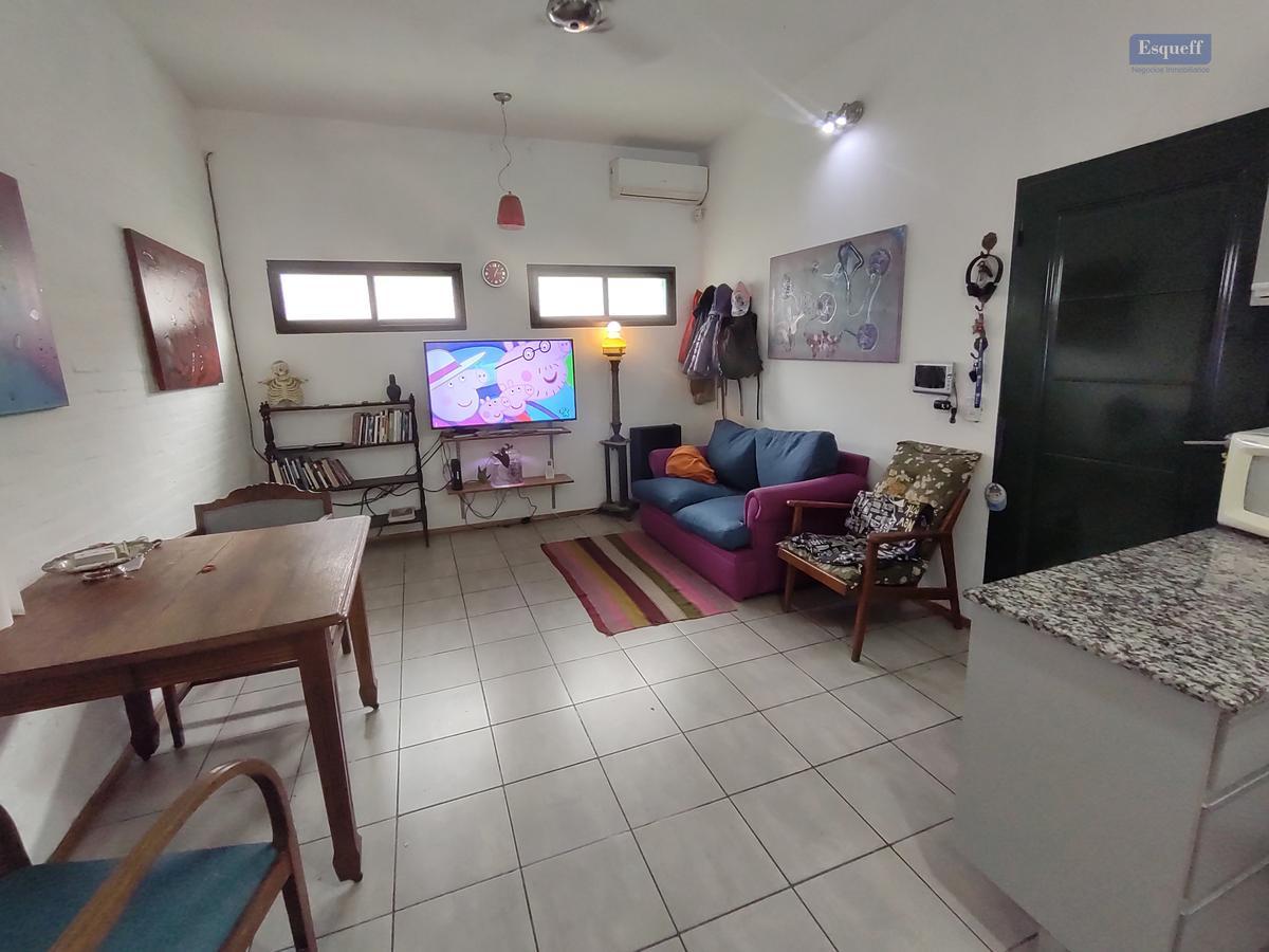 Foto Casa en Venta |  en  Rosario ,  Santa Fe  PJE GLAVE 3077