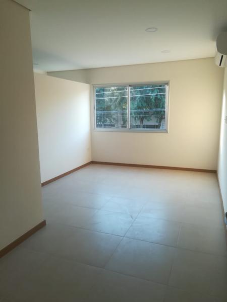 Foto Casa en Venta   Alquiler en  Luque,  Luque  Zona Confederación