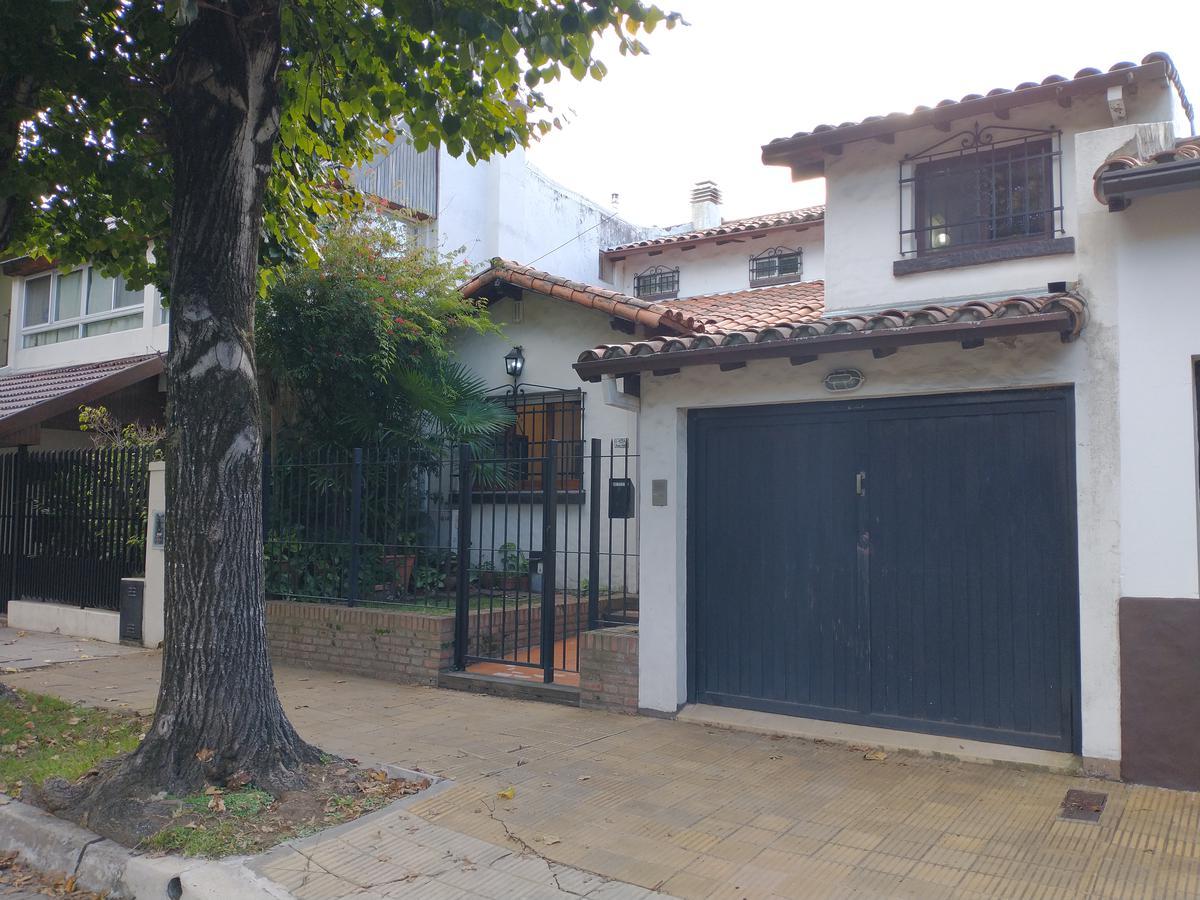 Foto Casa en Venta en  La Lucila-Vias/Maipu,  La Lucila  Díaz Vélez al 1000