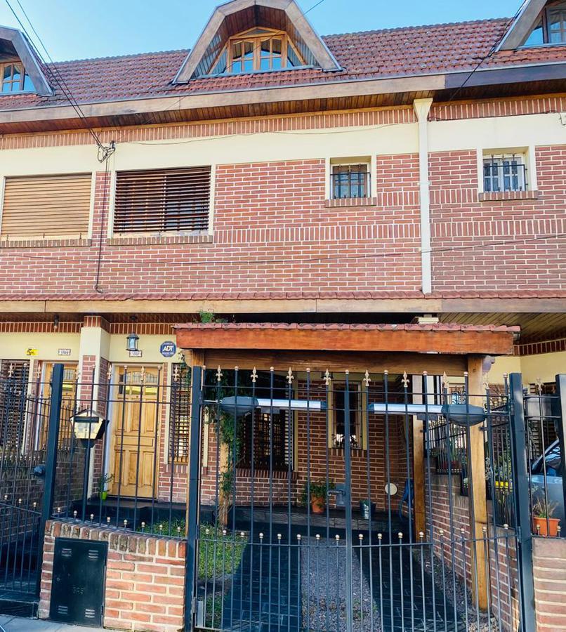 Foto Casa en Venta en HIDALGO al 1700, G.B.A. Zona Oeste | Moron | Castelar