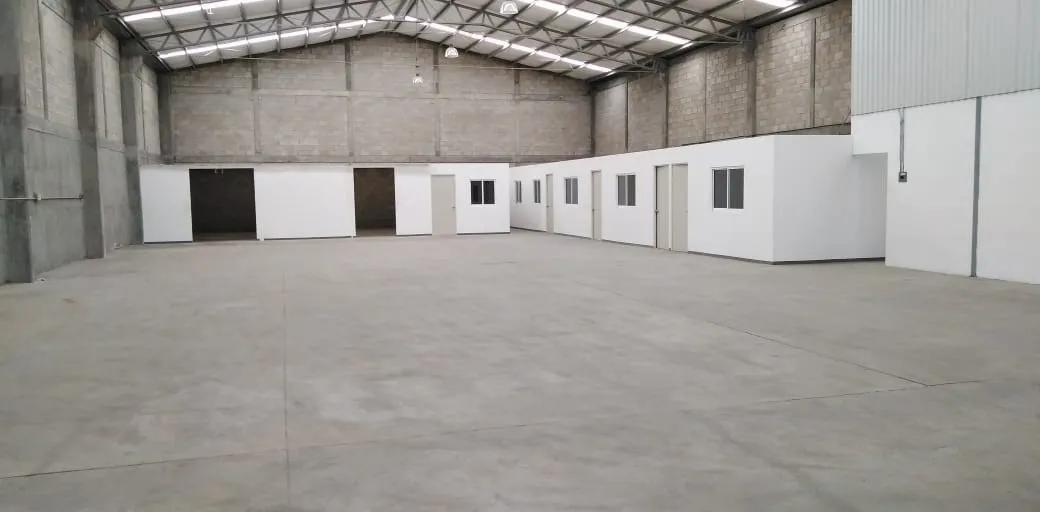 Foto Bodega Industrial en Renta en  Toluca ,  Edo. de México  RENTA DE NAVE INDUSTRIAL EN  TOLUCA