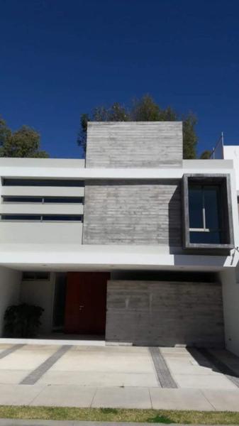 Foto Casa en Venta en  Madero,  Zamora  Casa en Fracc. Santa Catalina