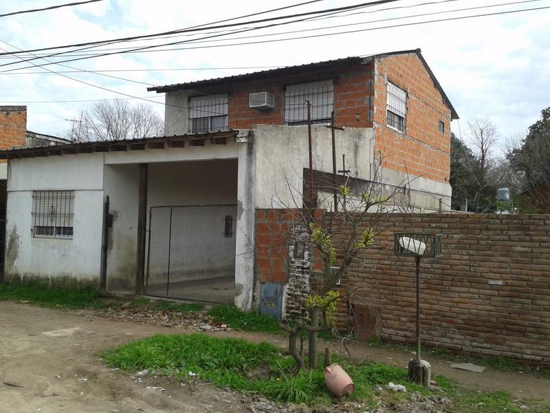 Foto Casa en Venta en  Centro,  Ingeniero Maschwitz  castelli al 700