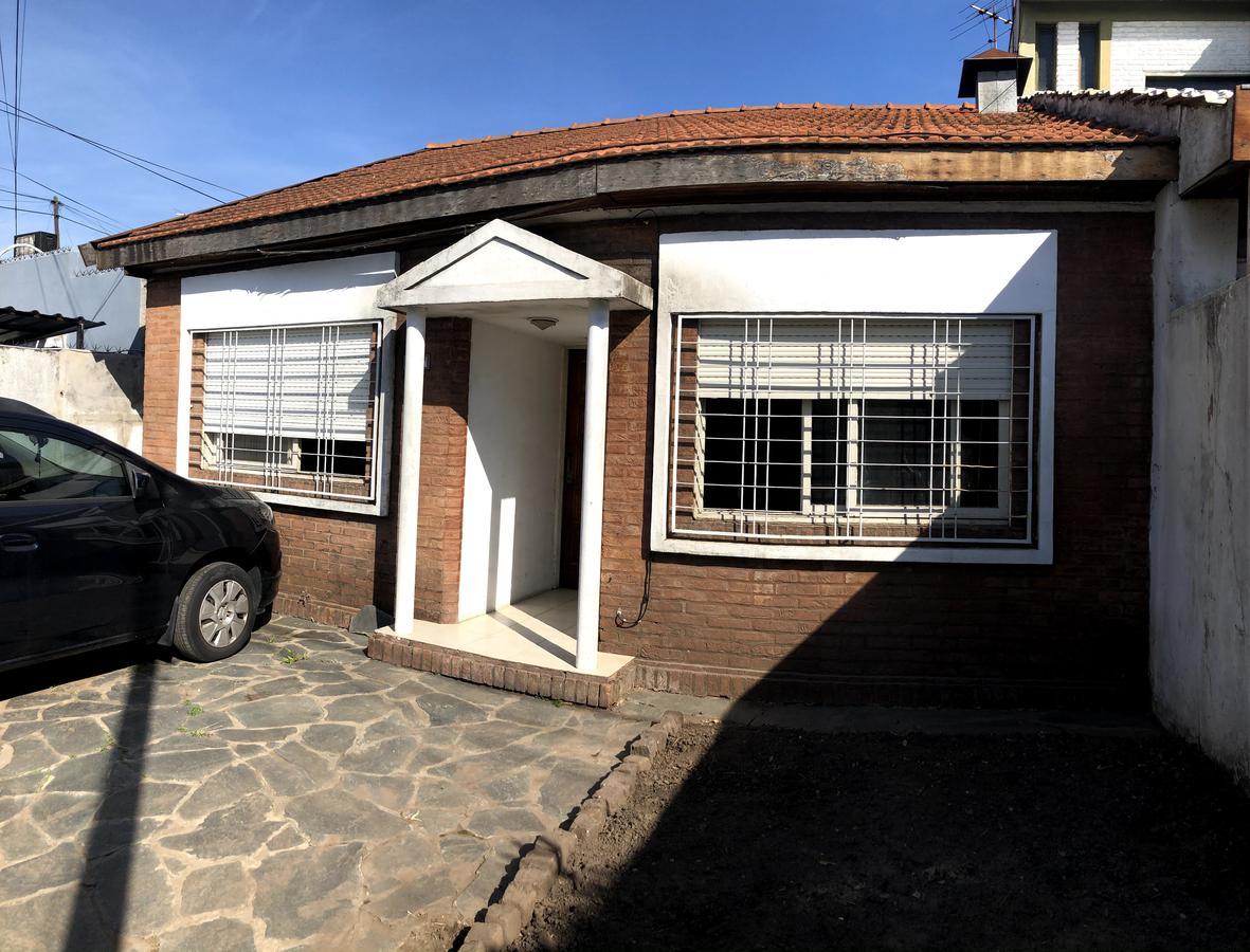 Foto PH en Venta en  Villa Sarmiento,  Moron  Francisco Madero al 1100
