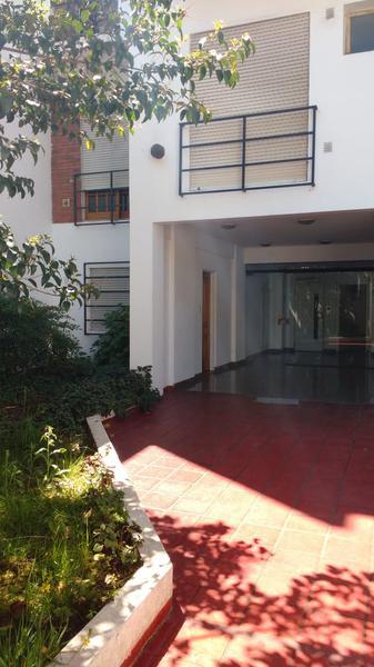 Foto Departamento en Alquiler en  La Plata ,  G.B.A. Zona Sur  11 entre 45 y 46