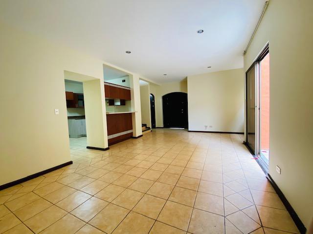 Foto Casa en condominio en Venta | Renta en  Brasil,  Santa Ana  Brasil  de Mora / Casa en condominio 3 habitaciones / Seguridad / Impecable