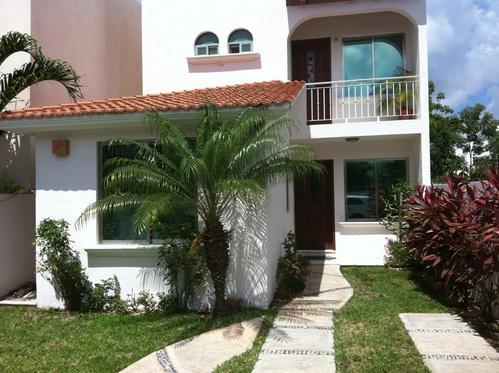 Foto Casa en condominio en Venta | Renta |  en  Quetzal Región 523,  Cancún  Quetzal Región 523