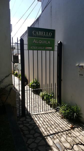 Foto PH en Alquiler en  Lomas de Zamora Oeste,  Lomas De Zamora  SAAVEDRA  al 800