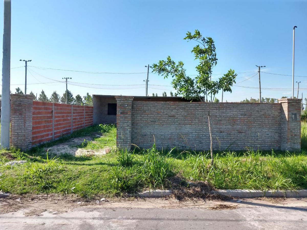 Foto Casa en Venta en  Perez,  Rosario  Casa Barrio Los Lapachos