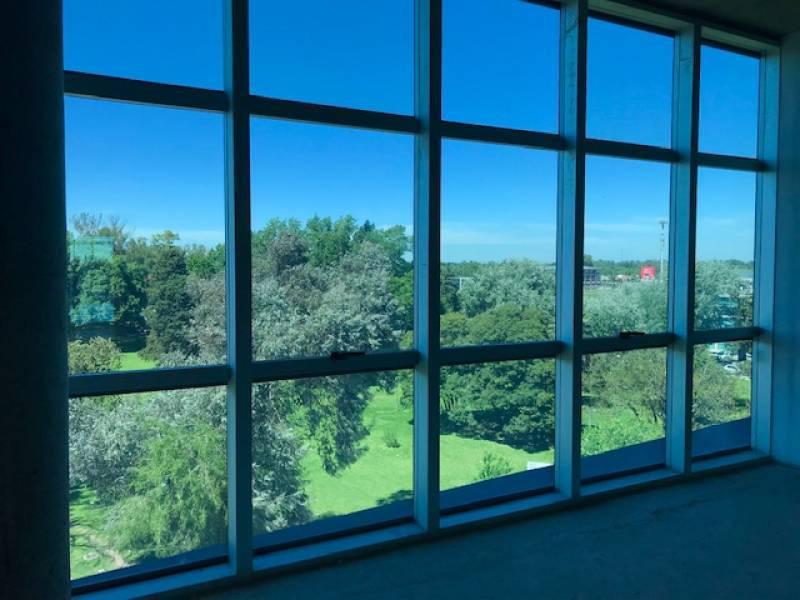 Foto Oficina en Venta en  Pilar ,  G.B.A. Zona Norte  Skyglass 3 - Los Crisantemos al 400