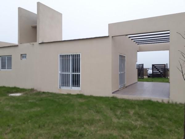 Foto Casa en Venta en  Funes ,  Santa Fe  Gral. Lopez y Caesar Juan