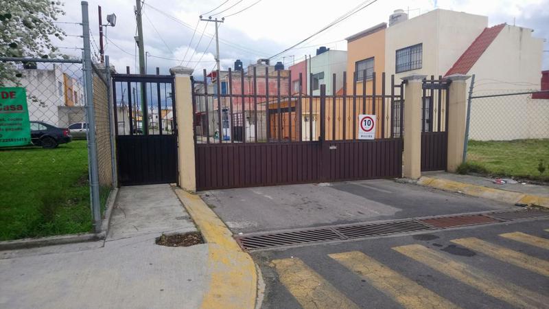 Foto Casa en condominio en Renta en  Ex Rancho San Dimas,  San Antonio la Isla  CASA en RENTA dentro de PRIVADA en  EX-RANCHO SAN DIMAS