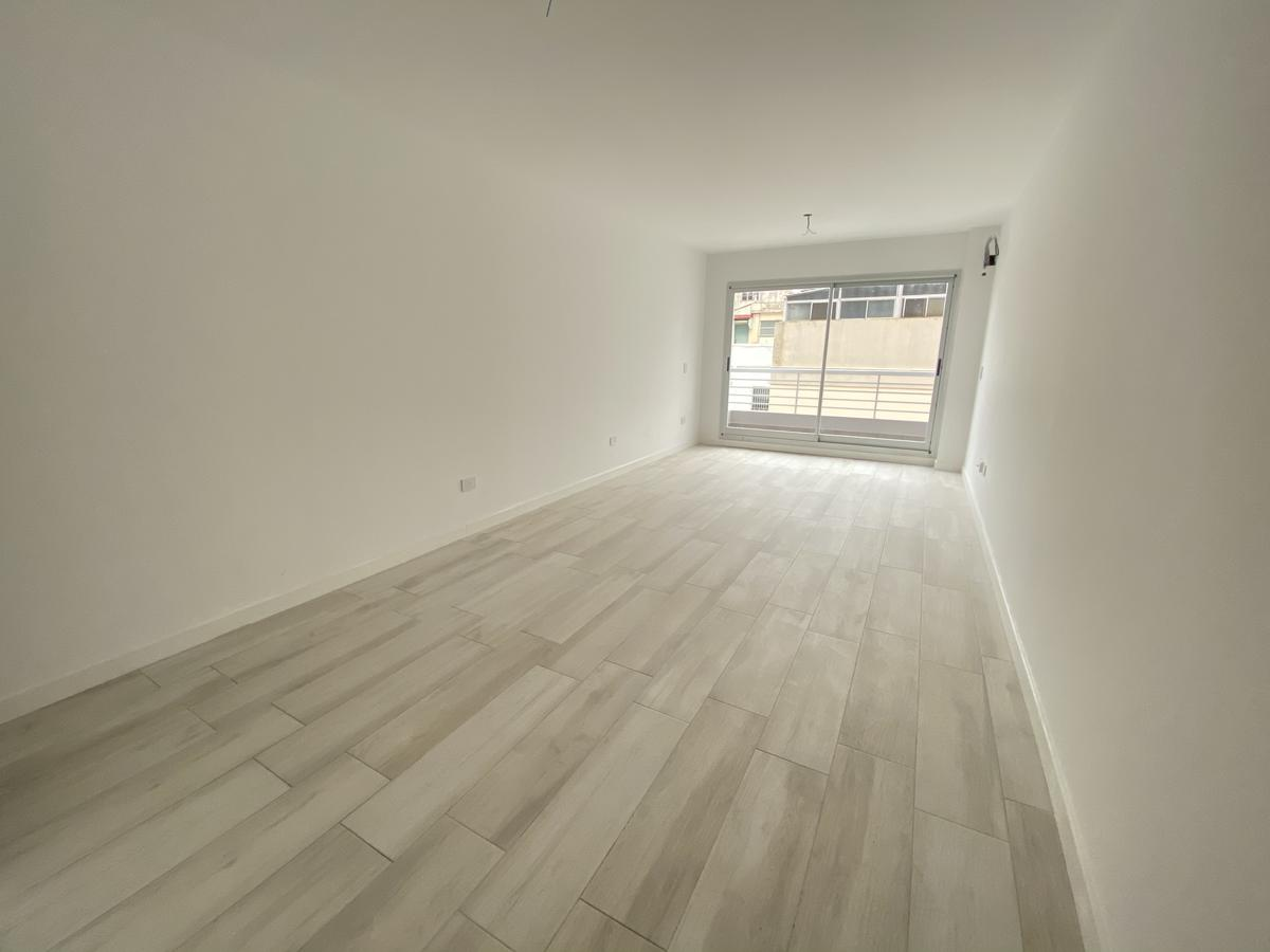 Foto Departamento en Venta en  Barracas ,  Capital Federal  Bolivar al 1700 4ºH
