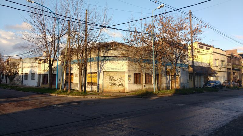 Foto Casa en Venta en  Valentin Alsina,  Lanus  CORONEL DELIA 2400