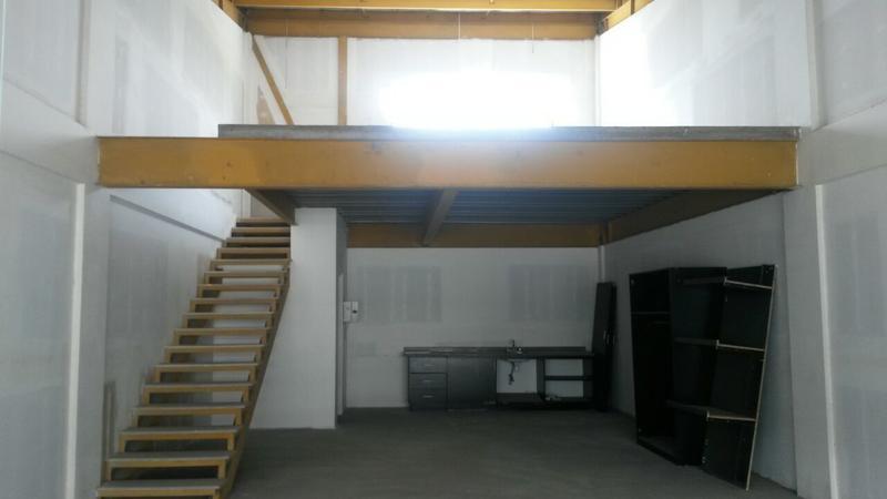 Foto Oficina en Renta en  Pozos,  Santa Ana  Oficina en Plaza Comercial/ Mezzanine/ Mantenimiento incluído