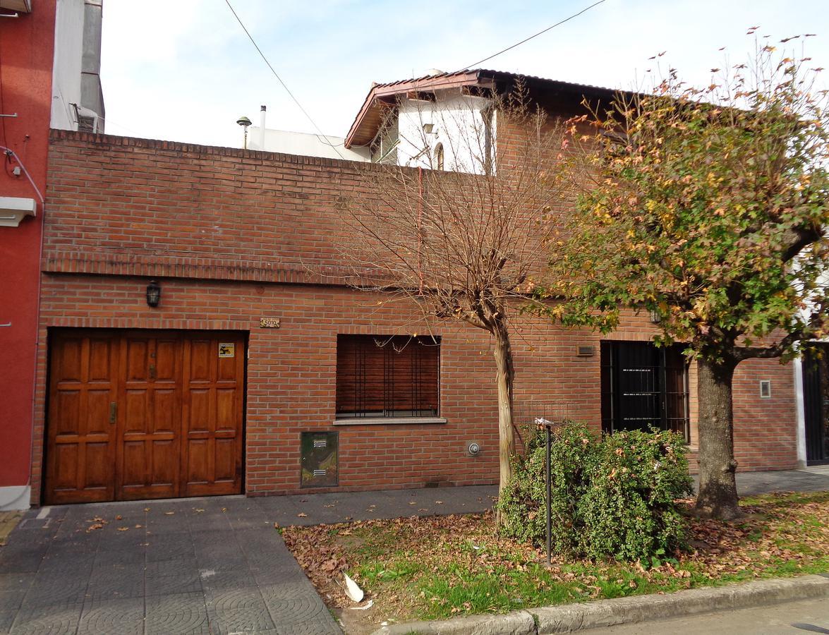 Foto Casa en Venta en  Carapachay,  Vicente López  Santiago del Estero al 5000