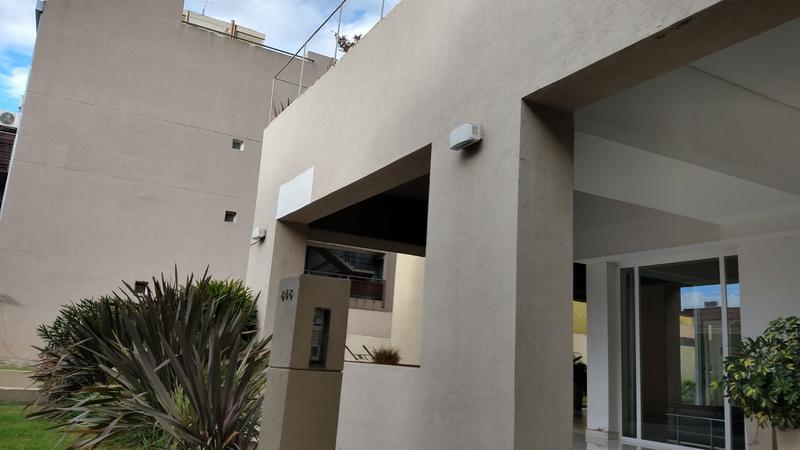 Foto Departamento en Venta en  Vicente López ,  G.B.A. Zona Norte  San Martin al 800