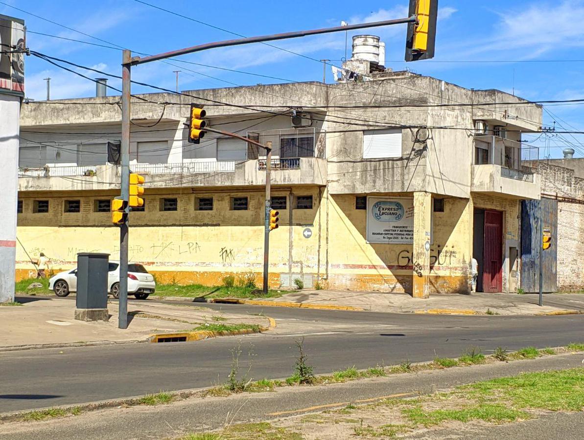 Foto Galpón en Alquiler en  Bella Vista,  Rosario  B.v Segui al 3500