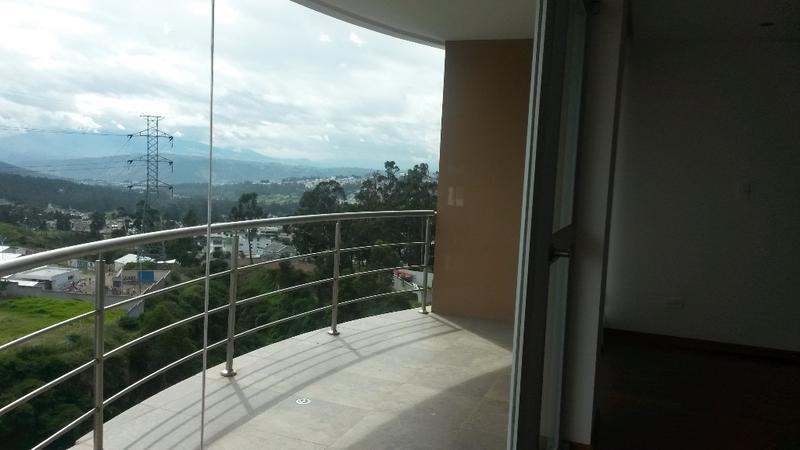 Foto Departamento en Venta en  Norte de Quito,  Quito  HERMOSO DEPARTAMENTO DE 180 MTS, 3 DORMITORIOS .DENTRO DE LA URB EL CONDADO.