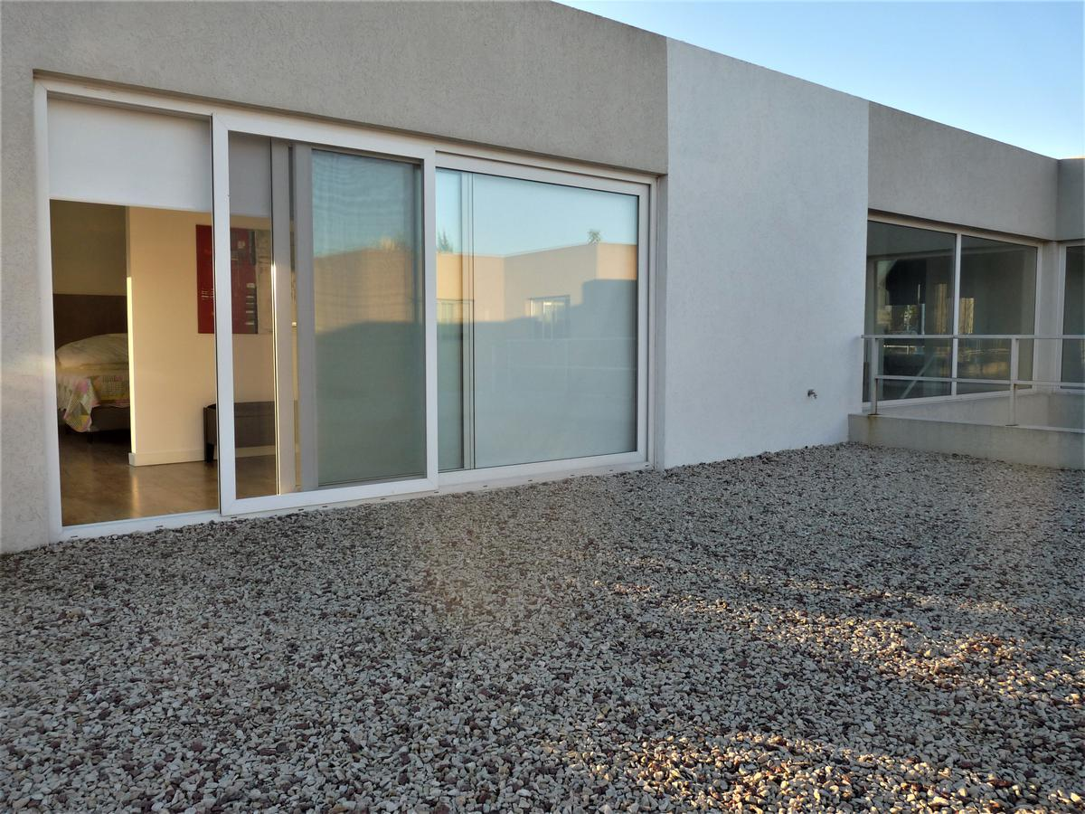 Foto Casa en Venta en  Los Alisos,  Nordelta  CASA RACIONALISTA BARRIO LOS ALISOS