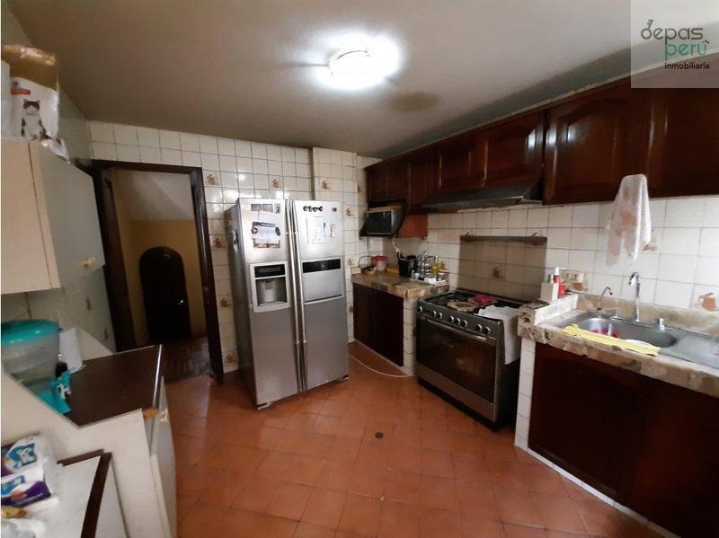 Foto Casa en Venta en  Santiago de Surco,  Lima  Av. Cristobal de Peralta