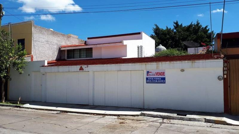 Foto Casa en Venta en  Fraccionamiento Jardines de San Joaquín,  Zamora  Casa en San Joaquín