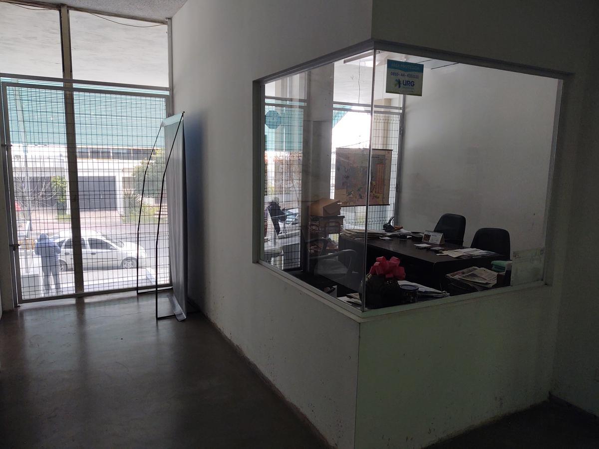 Foto Local en Venta en  Observatorio,  Cordoba Capital  Mariano Moreno al 400